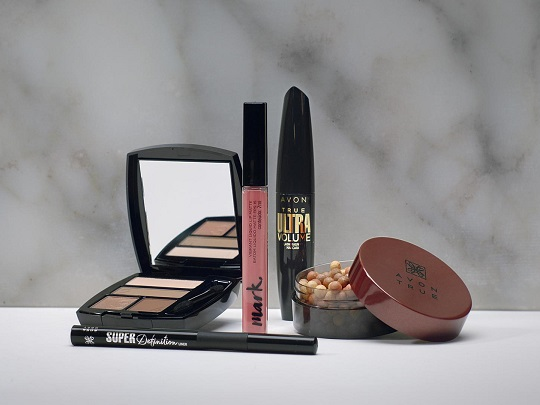 Avon introduces stand4her beauty kit